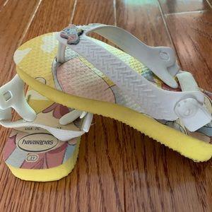 NWT Havainas Toddler Dumbo shoes size 7